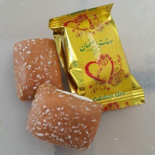گز نخستین بار در اصفهان و در شهر خوانسار تولید شد.