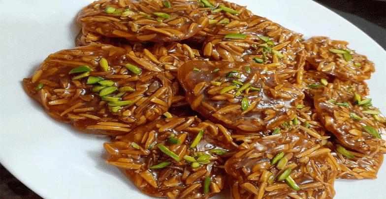 سوهان به عنوان شیرینی در پذیراییها و عیدها استفاده میشود که بسیار معروف و خوش طعم است.(سوهان گزی شهر اصفهان)