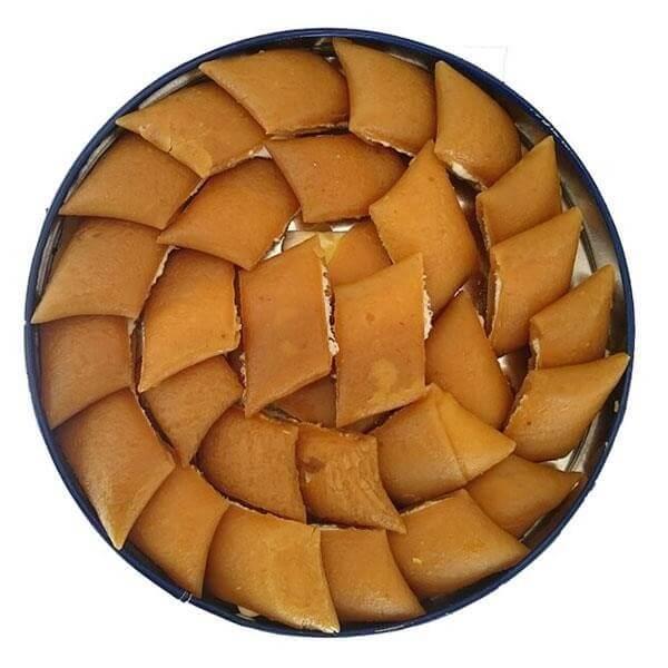 در سوهان گزی لقمهای، گزها درون یک لایه نازک سوهان قرار گرفته اند و خوردن آن بسیار راحت است.