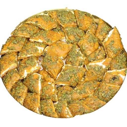 برای خرید سوهان تازه به طعم و بو و همچنین رنگ آن توجه ویژه داشته باشید.
